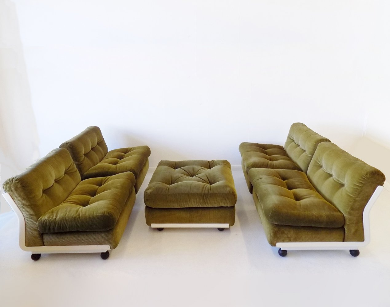 BB Italia Amanta set of 4 lounge chairs with ottoman by Mario Bellini