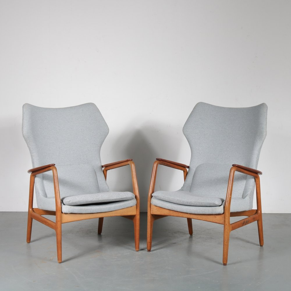 1950s Pair of highback lounge chairs by Aksel Bender Madsen