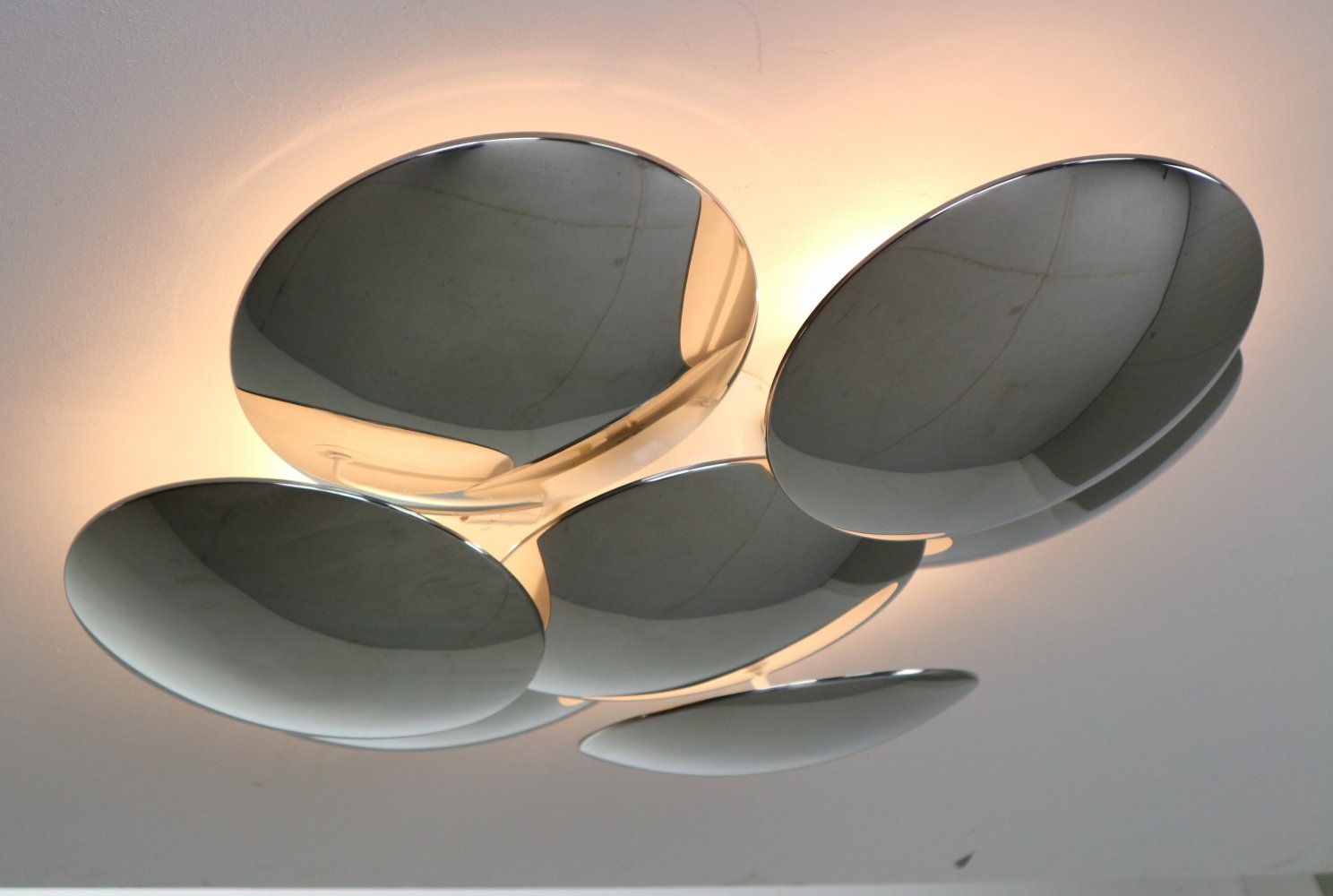 Mid-Century Modern Sculpture Ceiling or Wall Light by Reggiani, Italy 1970s