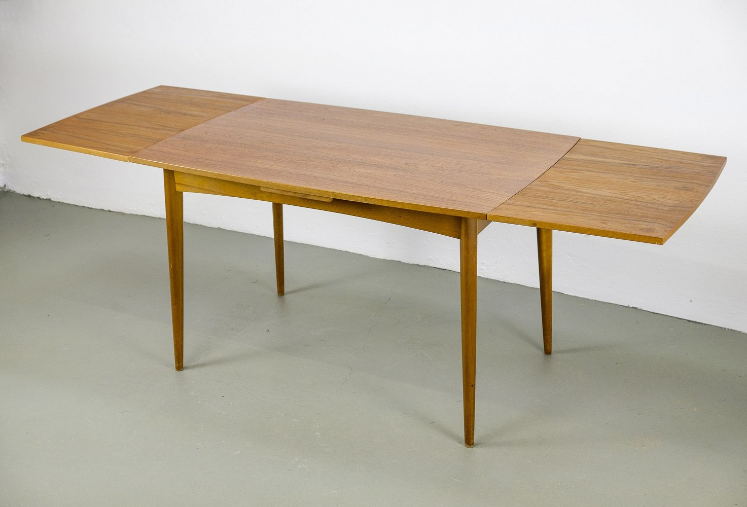 Boat shaped extendable Teak Dining Table, 1950s