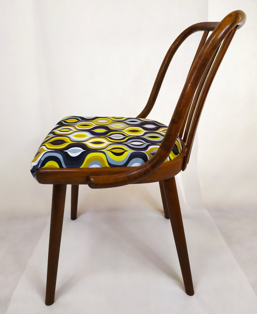 Set of 4 Dining chairs by Antonin Suman for TON