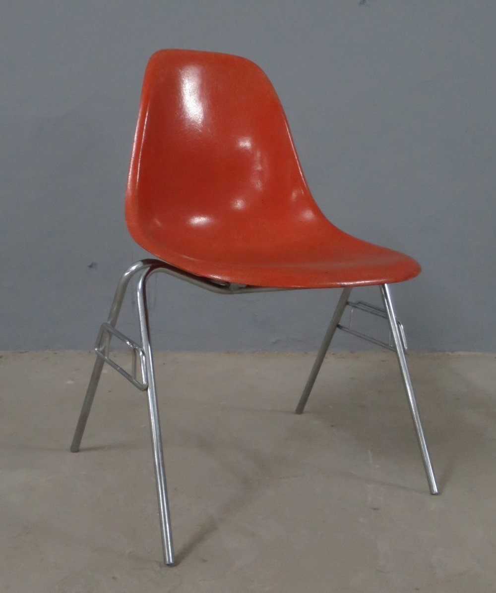 DSS fiberglass dining chair by Ray & Charles Eames for Herman Miller, 1960s