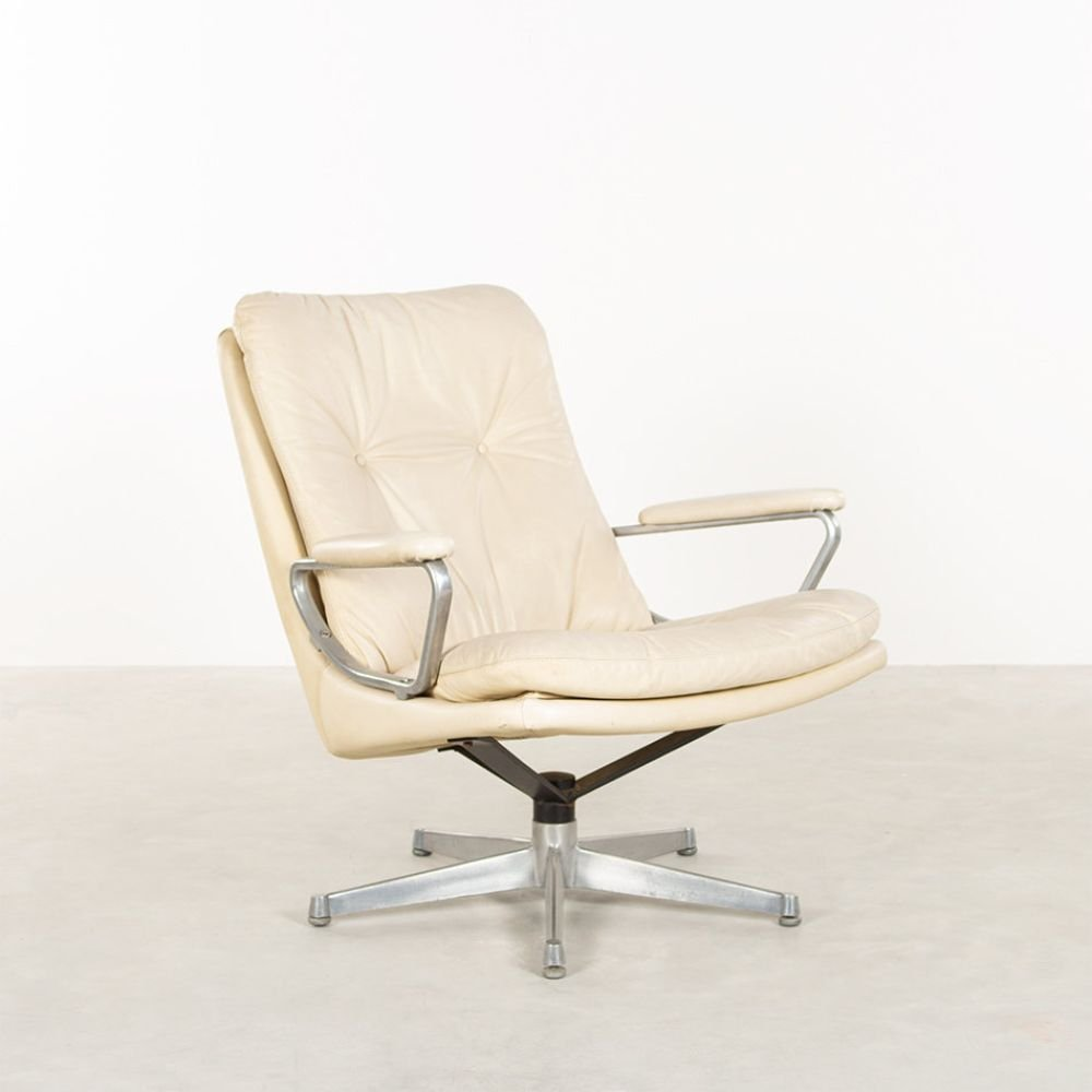 White Leather Gentilina Lounge Chair By