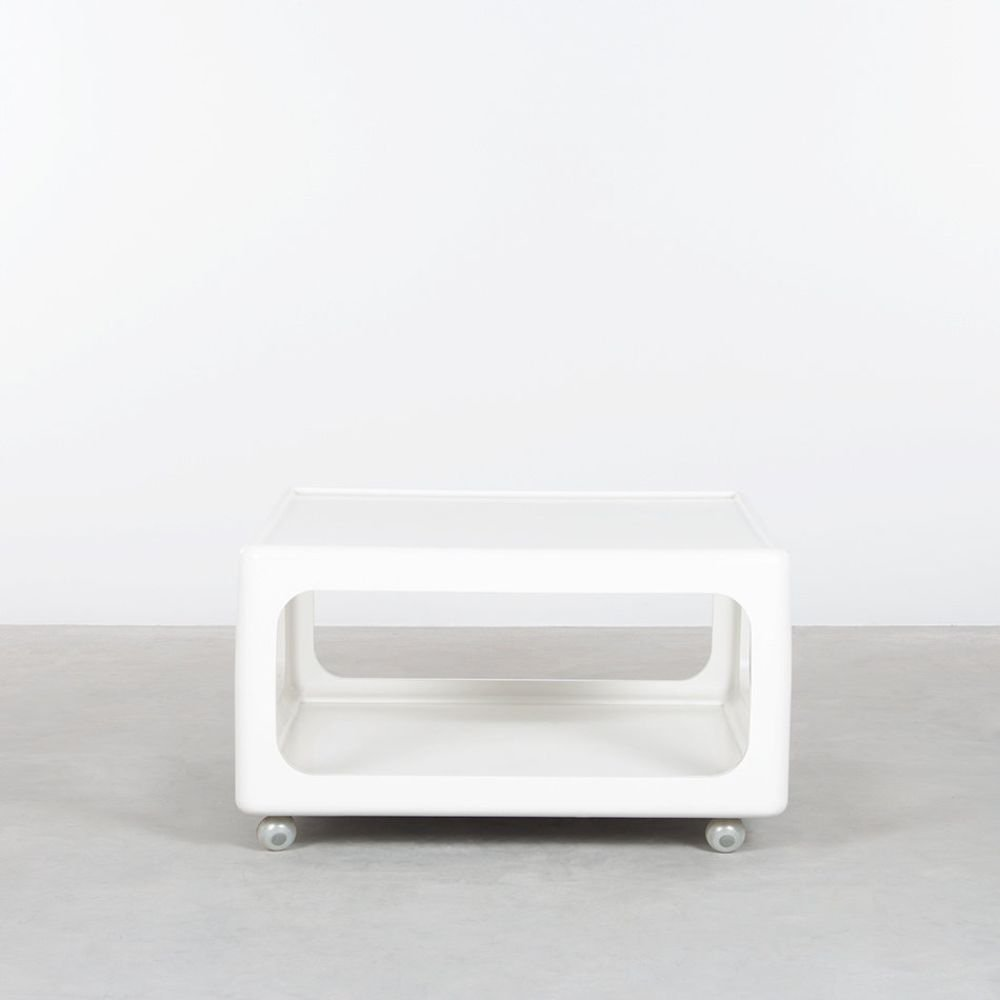 White duroplast coffee table with wheels by Peter Ghyczy, 1970s