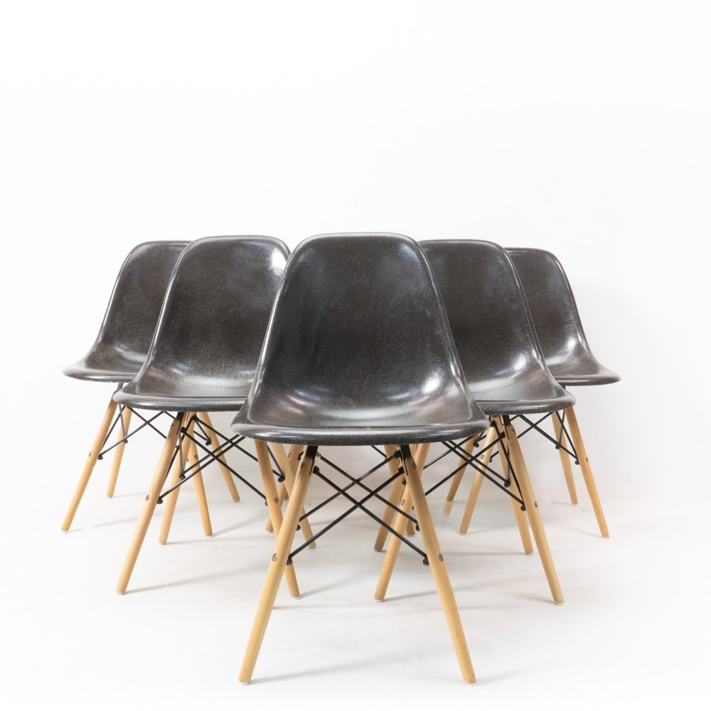 Set of 6 Charles & Ray Eames for Herman Miller DSW Fiberglass Chairs