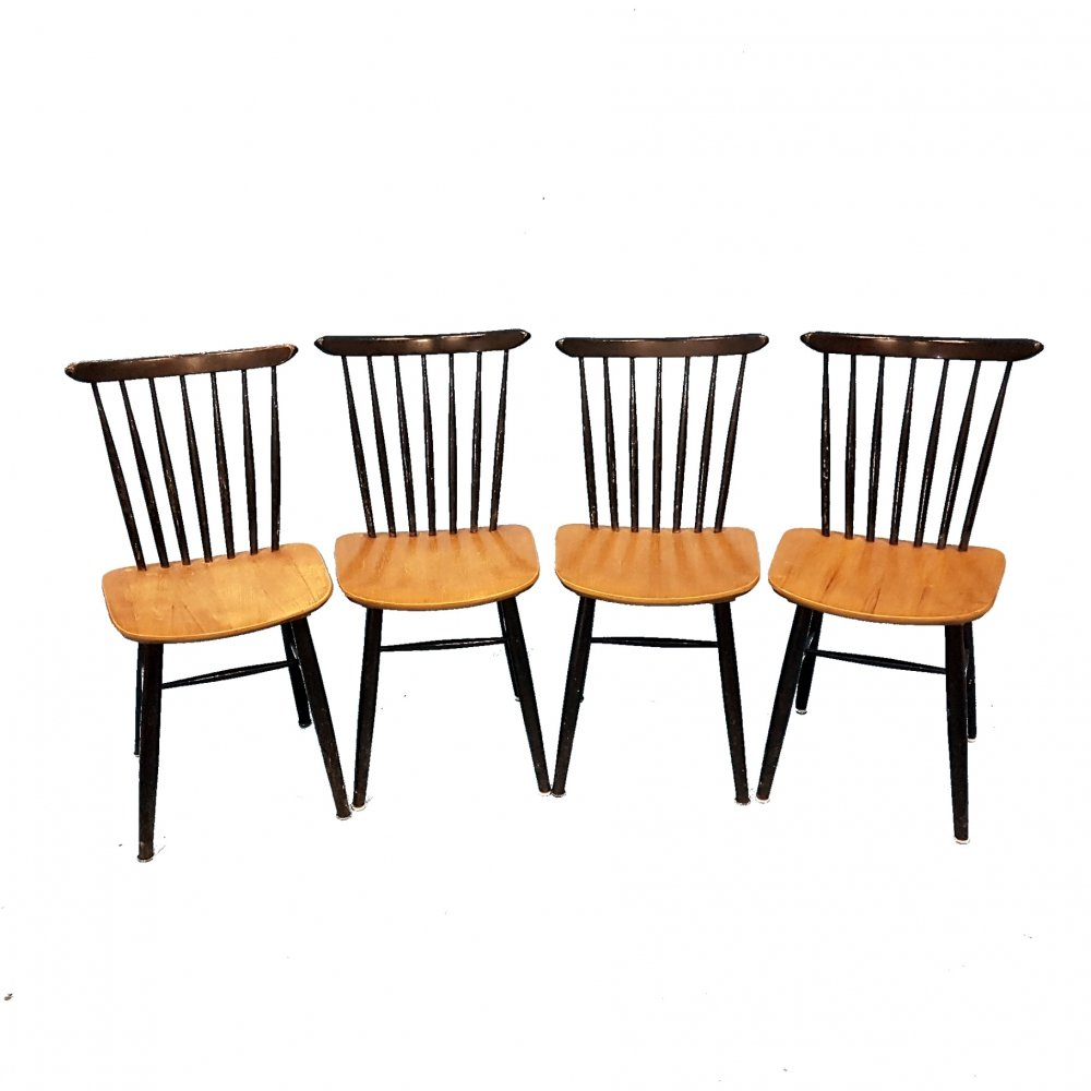 Set of 4 mid century spindleback chairs, Sweden 1960s