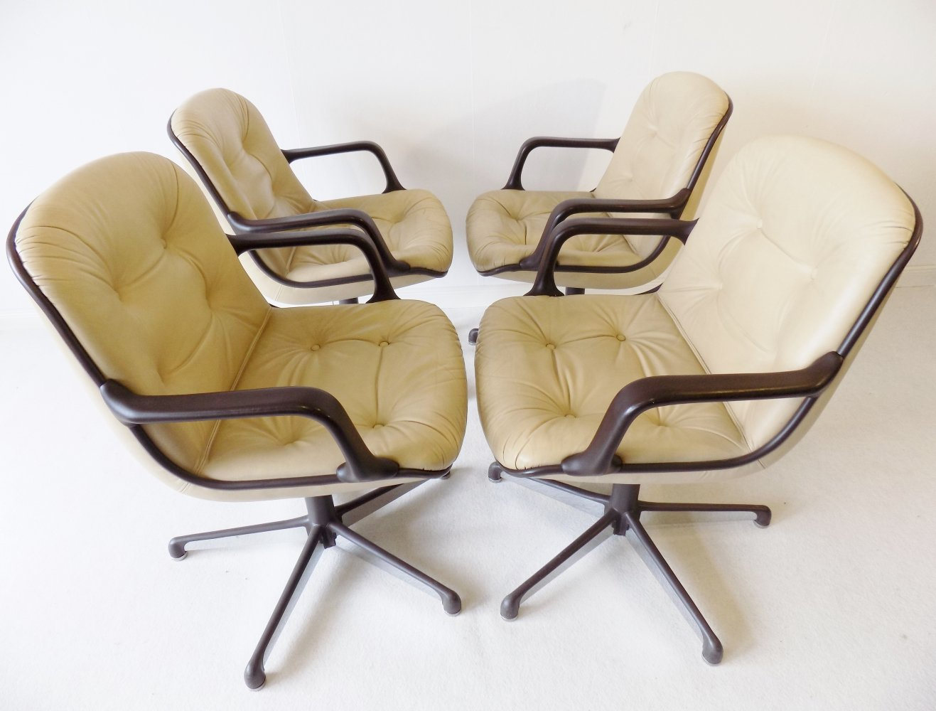 Comforto set of 4 executive leather dining/office chairs by Charles Pollock