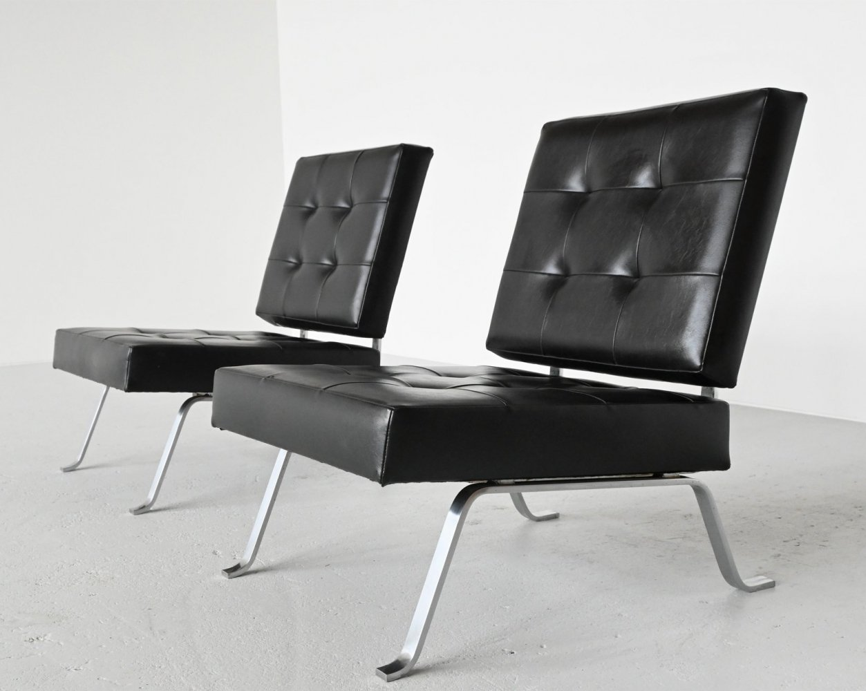 Hein Salomonson for AP Originals model AP60 lounge chairs, Netherlands 1960
