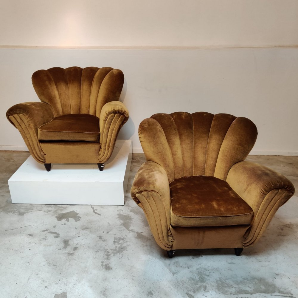 Italian pair of easy chairs with gold velvet fabric, 1970s