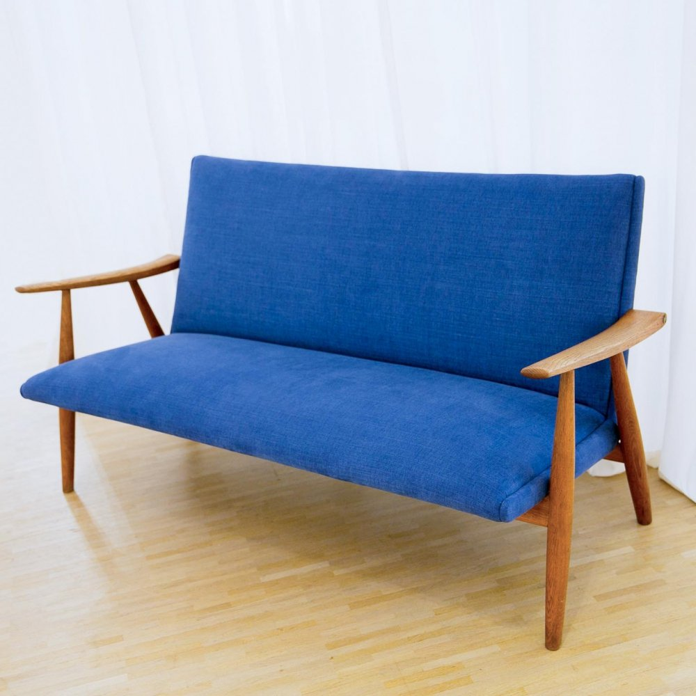 Model GE-260 2-seater sofa by Hans Wegner for Getama, 1950