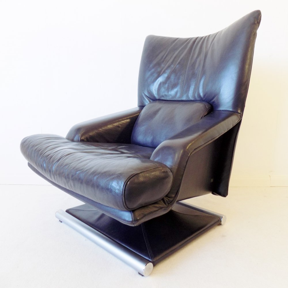 Rolf Benz 6500 navy blue leather armchair, 1980s