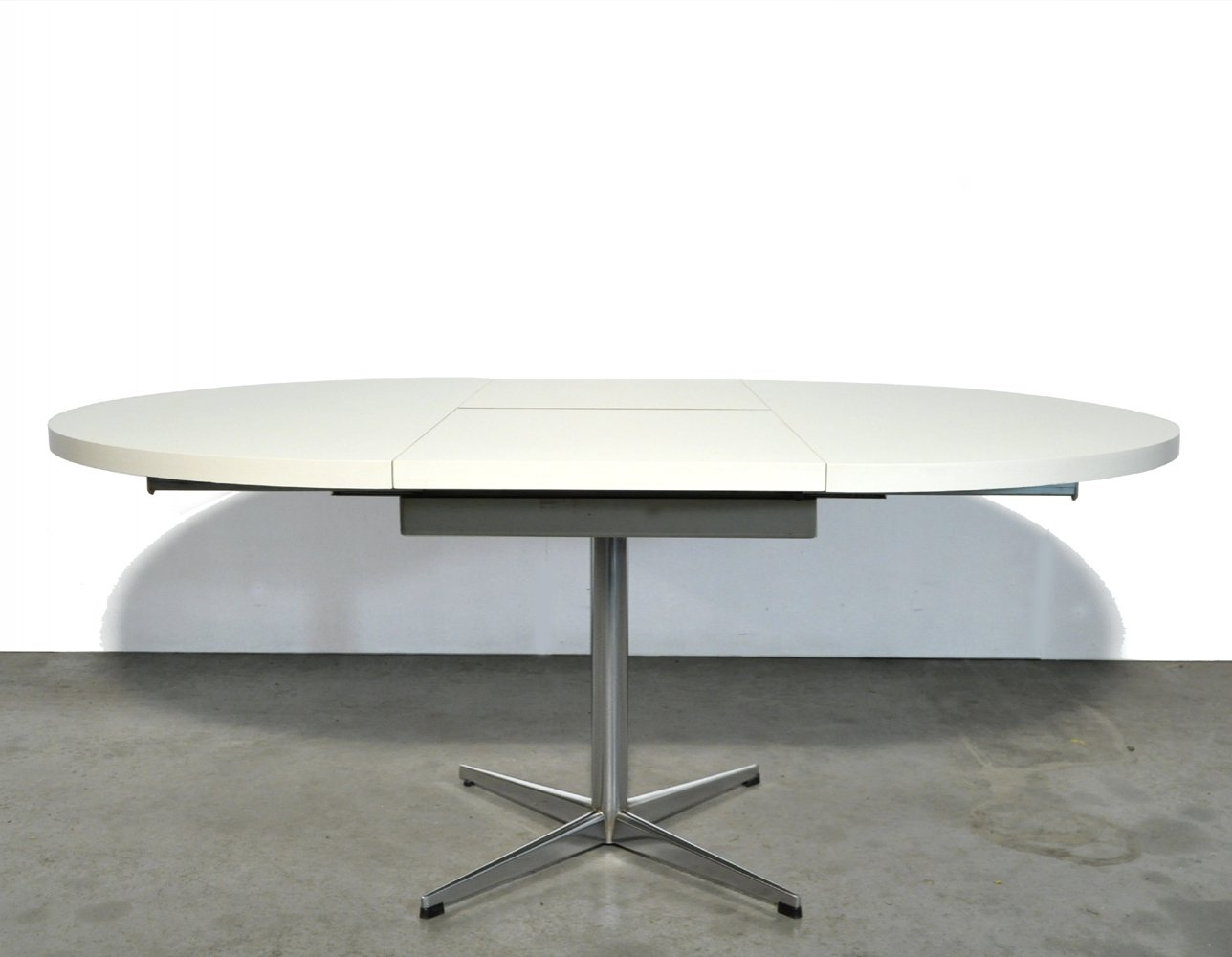 Round extendable dining table by Pastoe, Netherlands 1970s