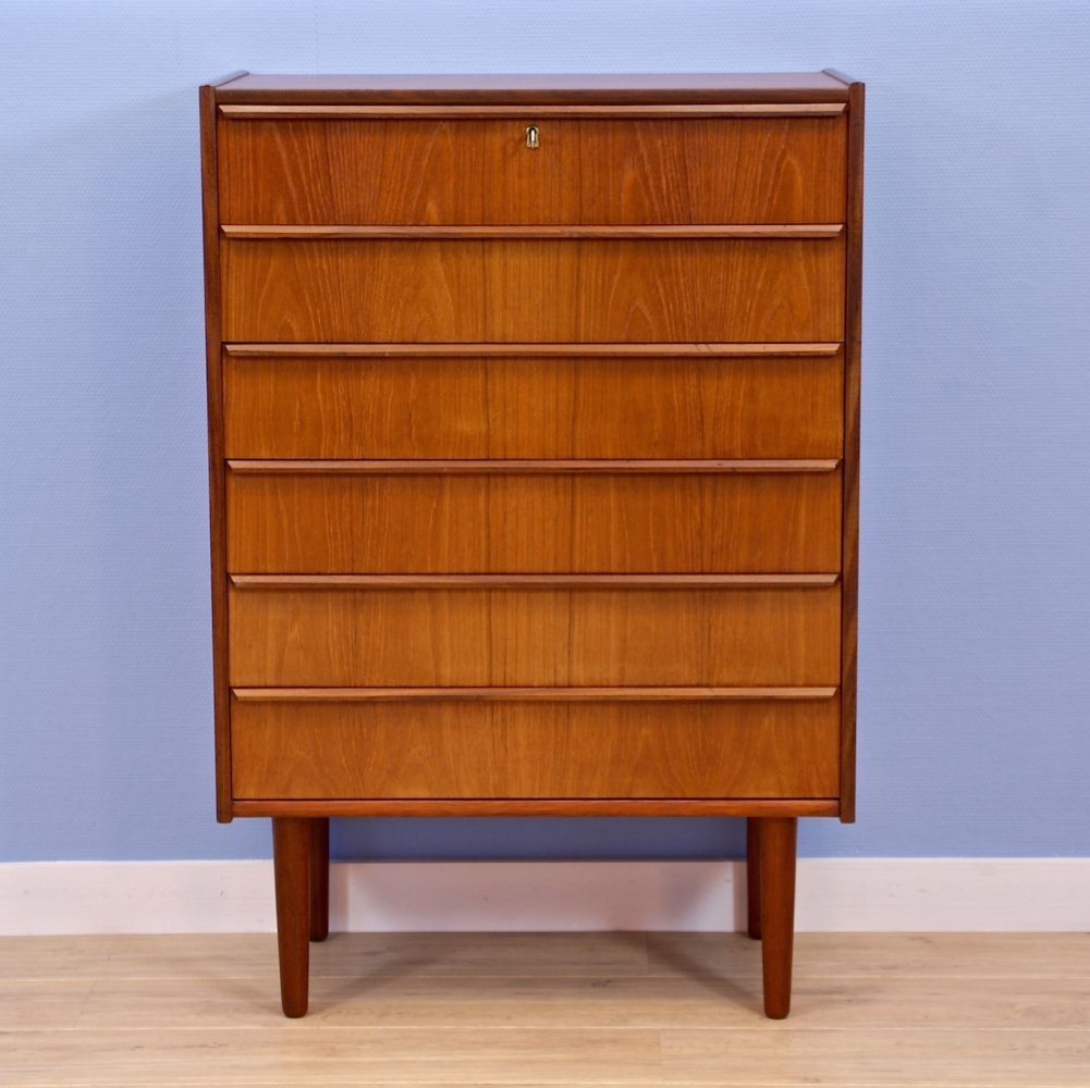 Danish chest with drawers in teak, 1960s