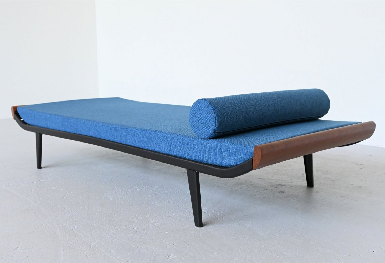 Dick Cordemeijer Cleopatra daybed by Auping, 1954