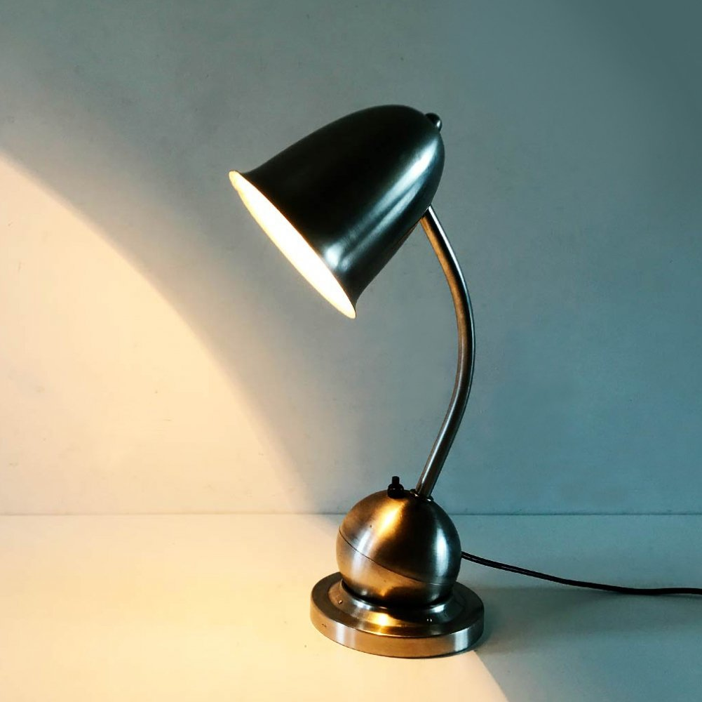 Machine age desk lamp by KMD Daalderop, ca 1928