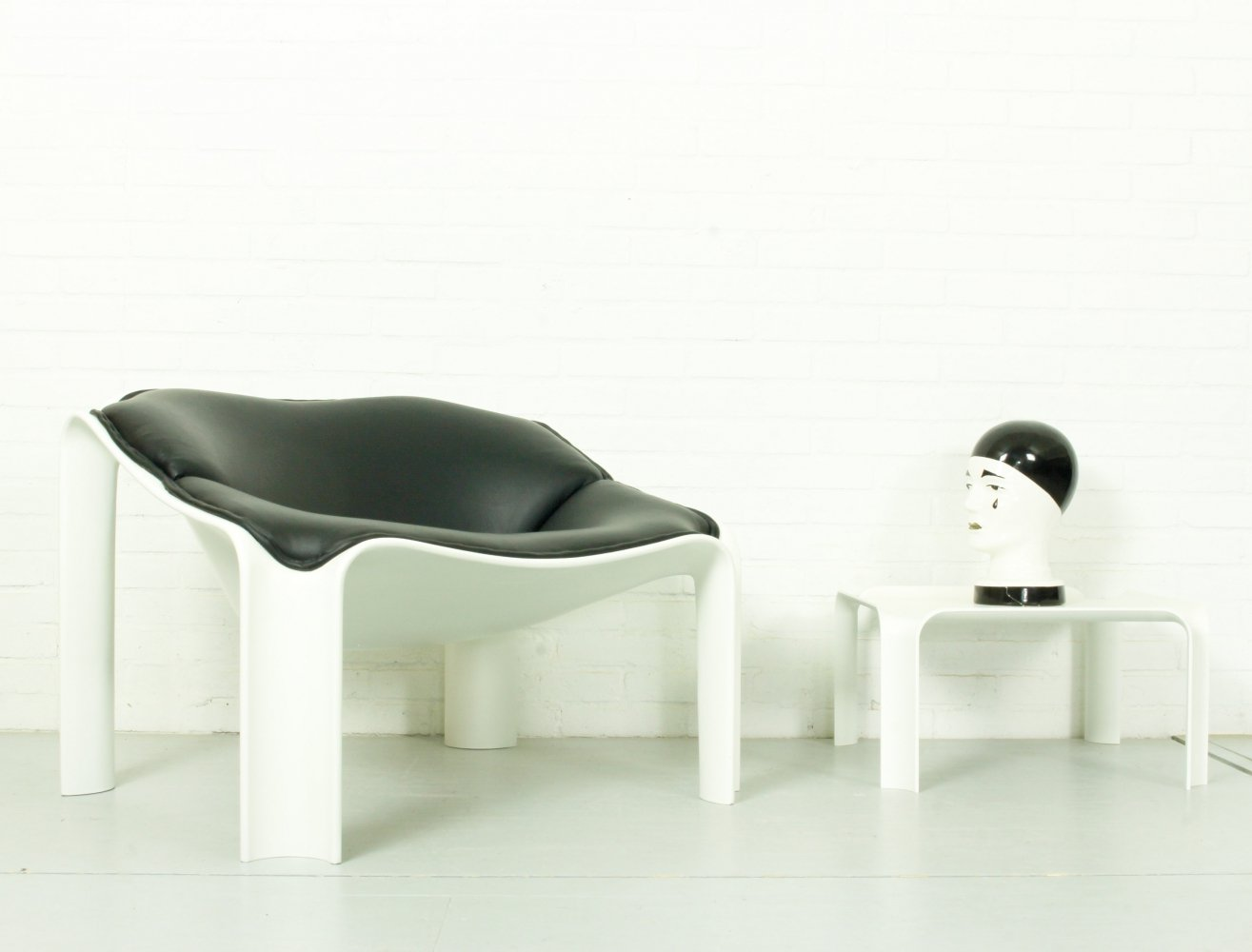 Mid-Century F300 Groovy Lounge Chair & table F877 by Pierre Paulin for Artifort, 1970s