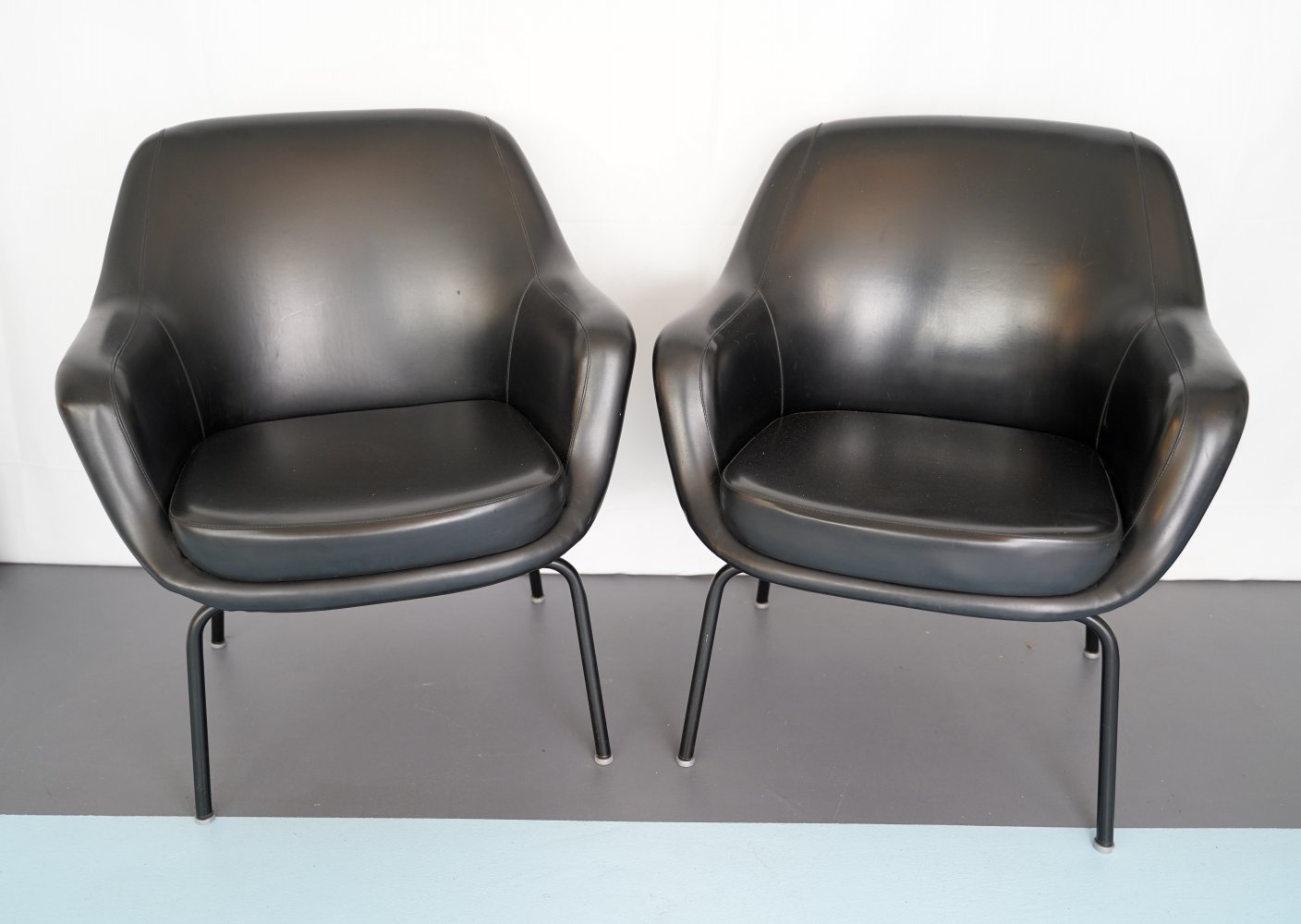 Pair of Olli Mannermaa Armchairs by Cassina, Italy 1960s