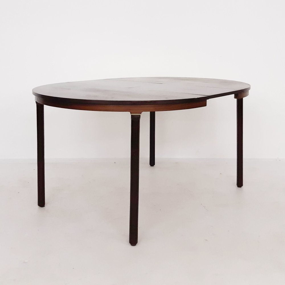 Round rosewood extendable dining table by Fristho, The Netherlands 1960