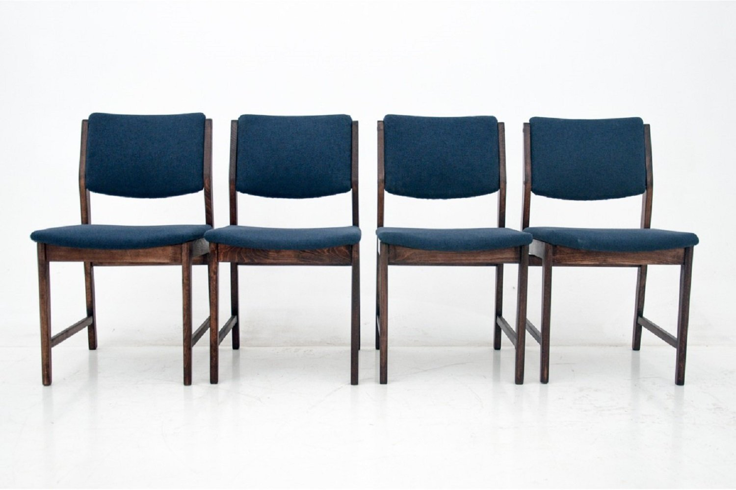 Set of 4 dining room chairs, Poland 1960s