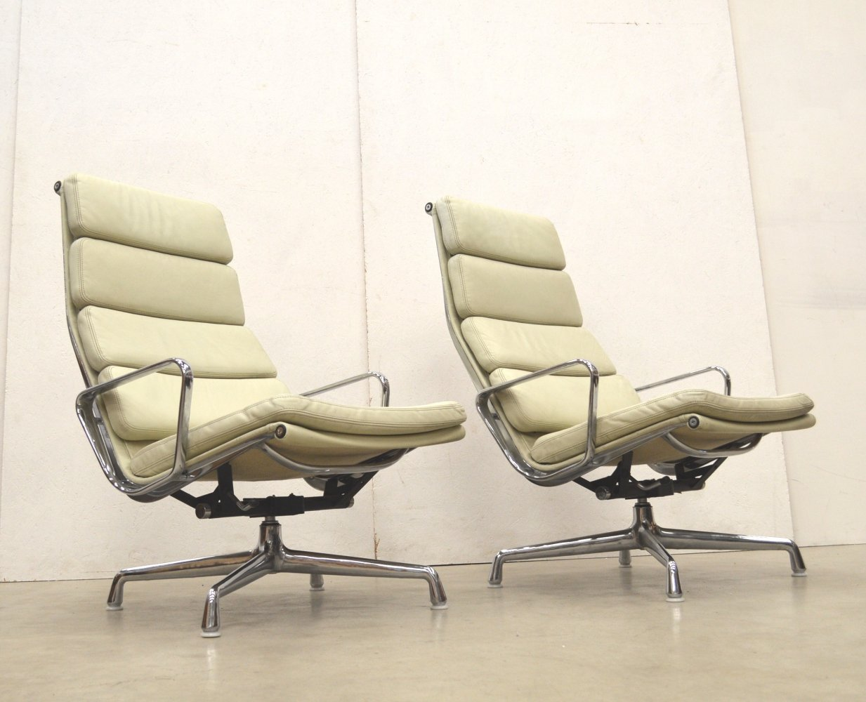 Pair of EA222 Soft Pad lounge chairs by Charles & Ray Eames for Herman Miller, 1990s