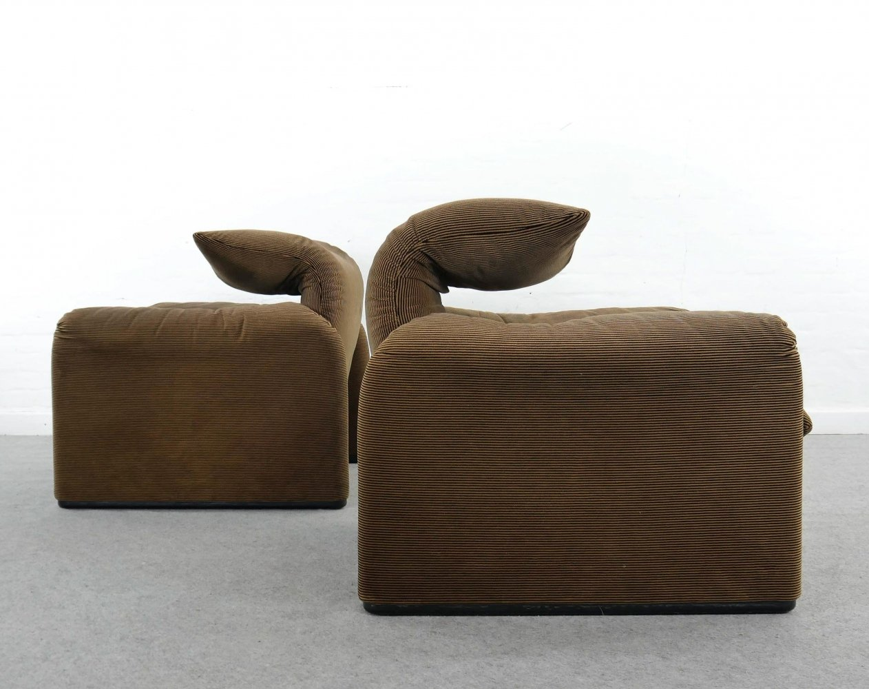 Pair of Maralunga lounge chairs in brown striped fabrics by Cassina, Italy 1990s