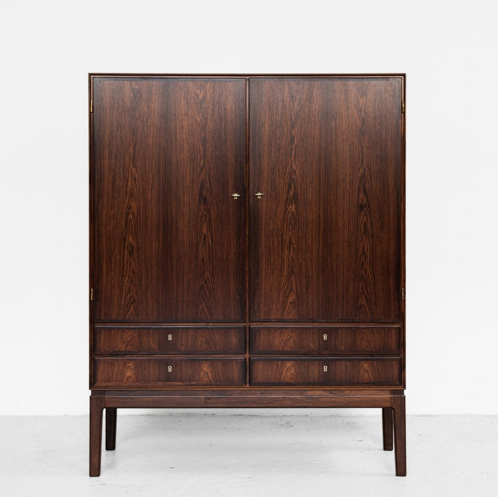 Midcentury Danish cabinet in rosewood by Ole Wanscher for J.P. Jeppessen