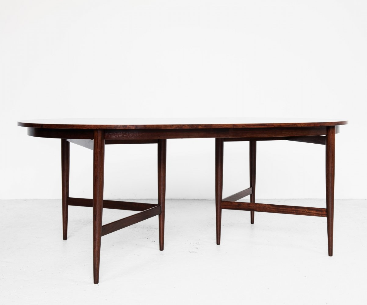 Midcentury oval dining table in rosewood by Werner Wölfer for V-form, 1960s