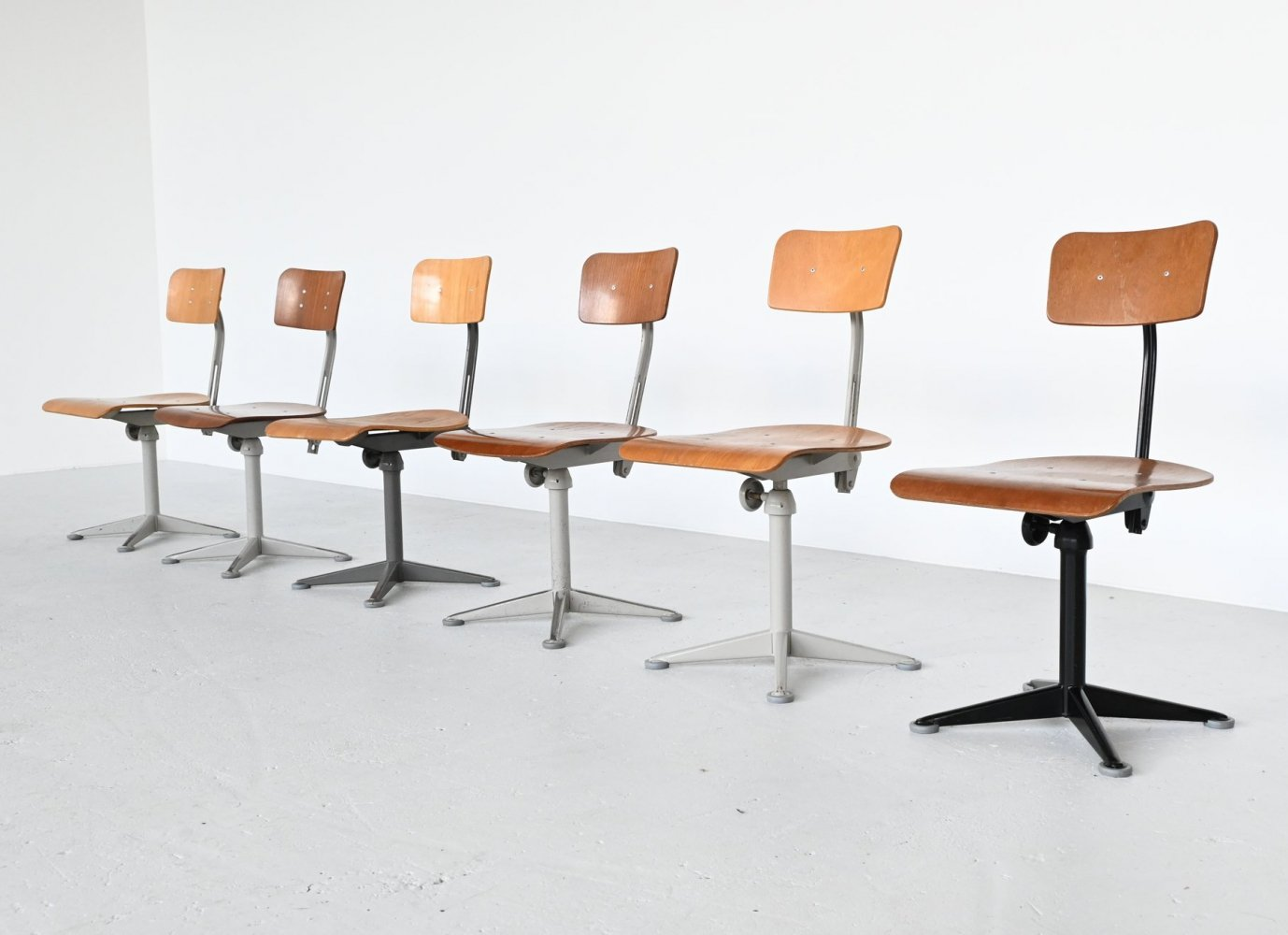Friso Kramer drafting chairs by Ahrend de Cirkel, The Netherlands 1960