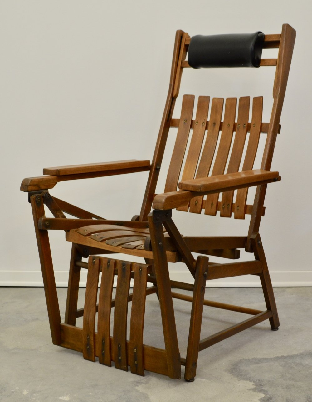 Siesta Medizinal lounge chair by Hans & Wassili Luckhardt for Thonet, 1930s