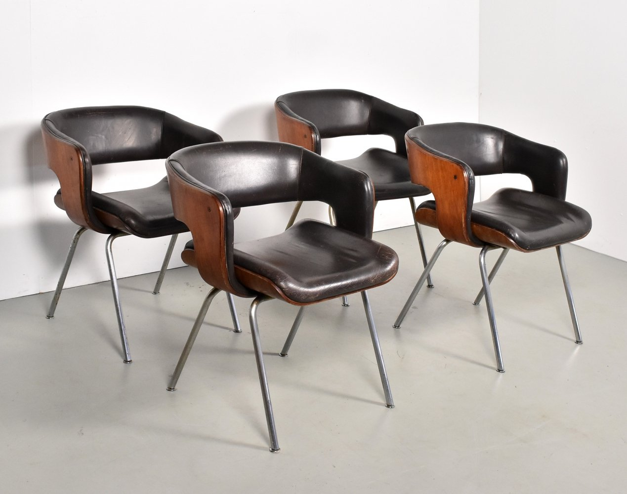 Set of 4 Oxford dining chairs by Martin Grierson for Arflex, 1970s