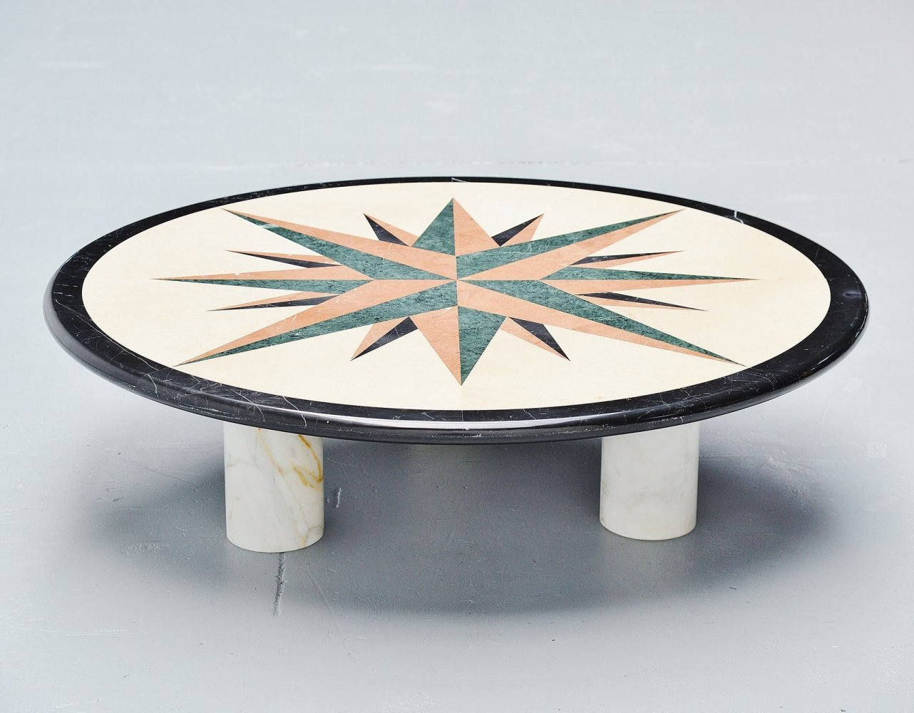 Post modern Memphis coffee table in marble, Italy 1980