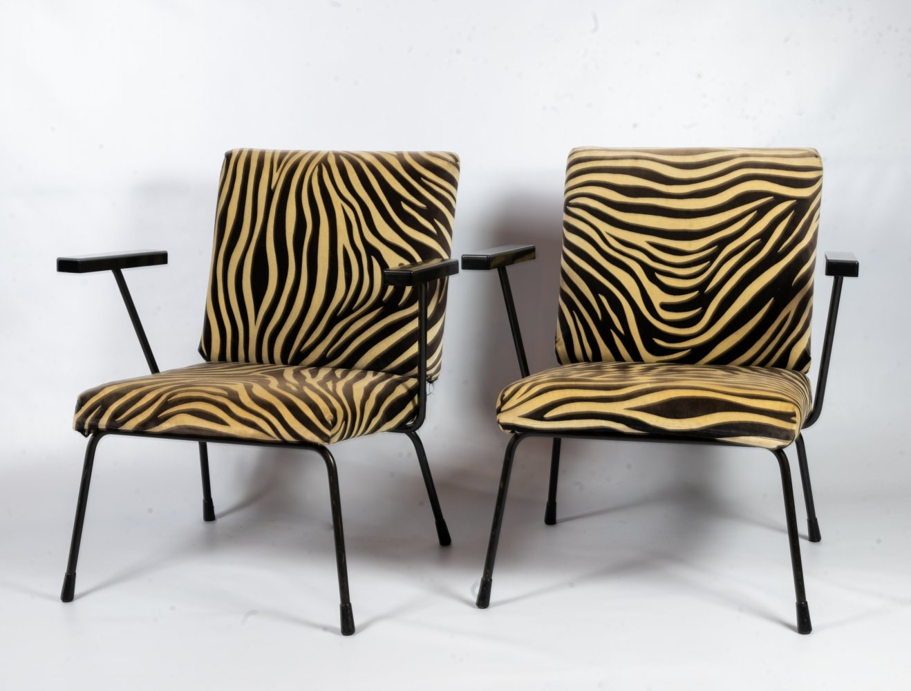 Pair of 1401 arm chairs by Wim Rietveld for Gispen, 1960s