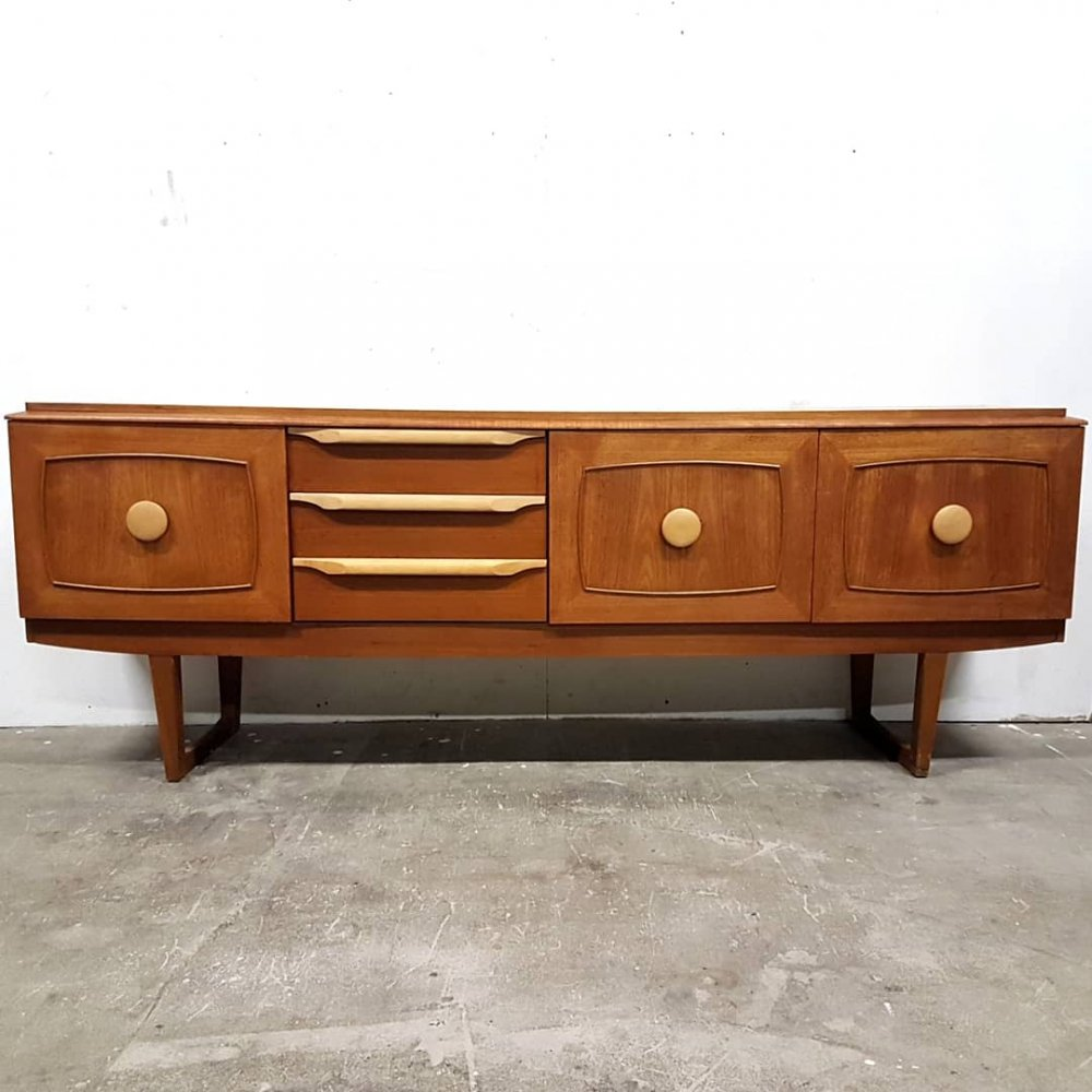 Mid century teak curved sideboard by Stonehill, England 1960s