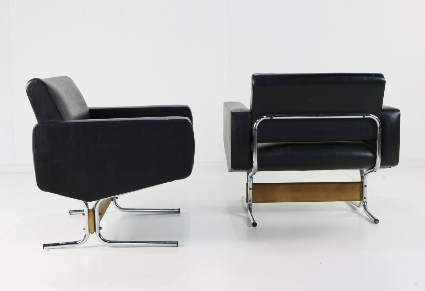 2 x Caracas lounge chair by Pierre Guariche for Meurop, 1960s