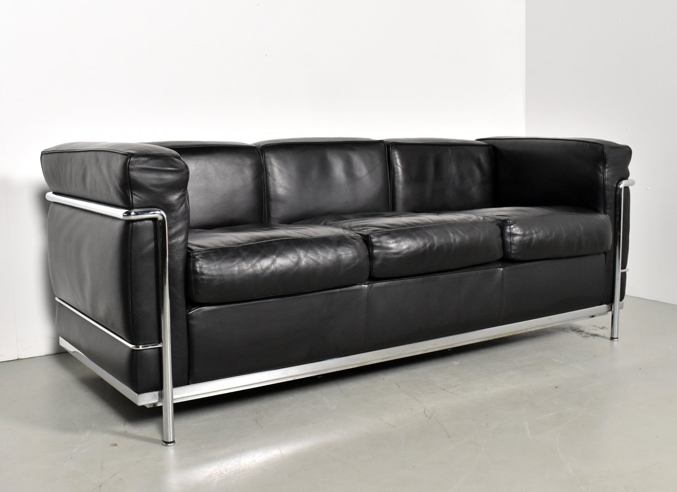LC2 3-seater sofa by Le Corbusier & Charlotte Perriand for Cassina, 1990s
