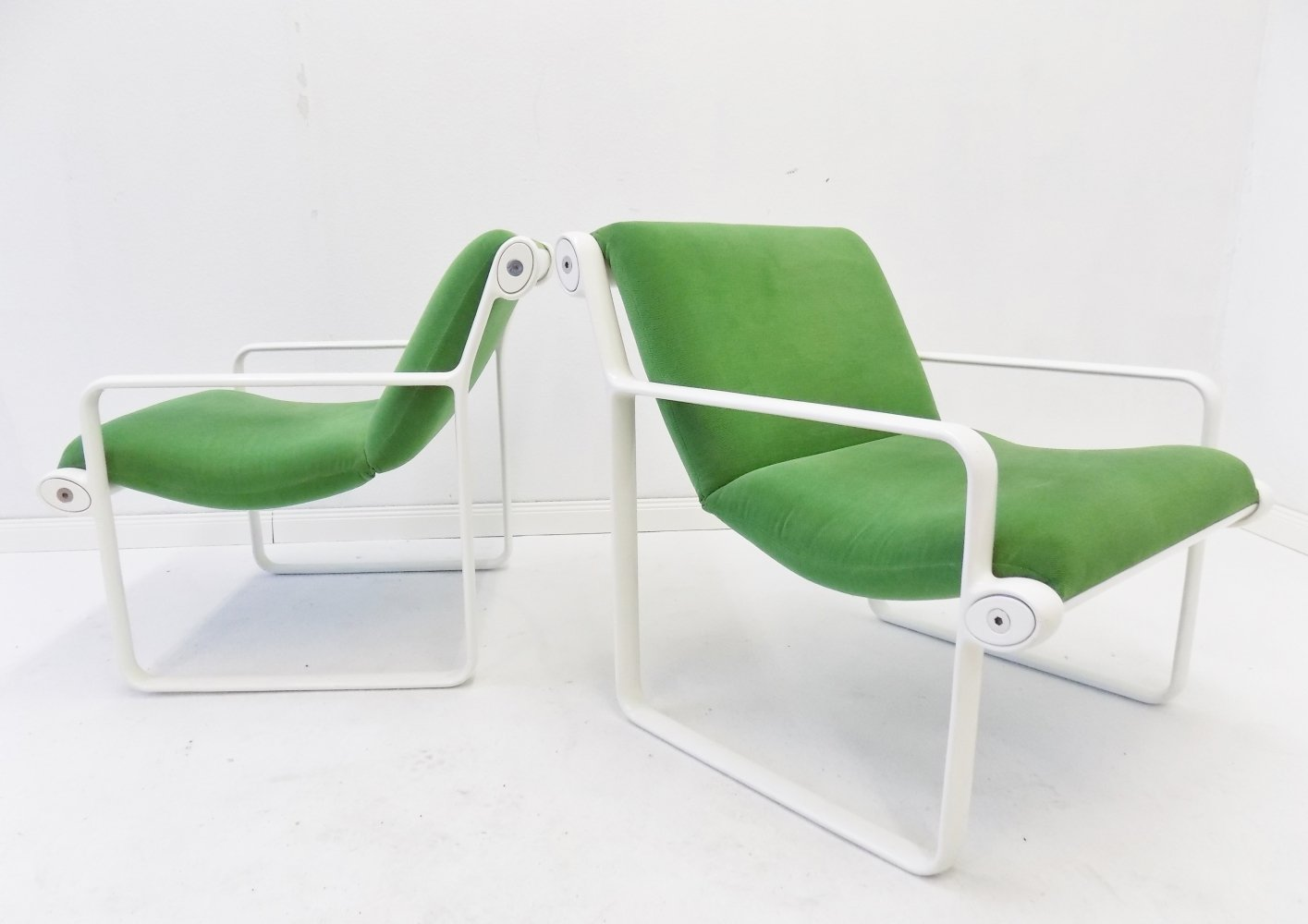 Pair of Knoll Sling 2011 lounge chairs by Bruce Hannah & Andrew Morrison