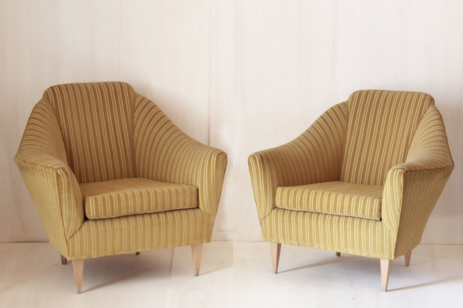 Pair of 1950s vintage velvet lounge chairs