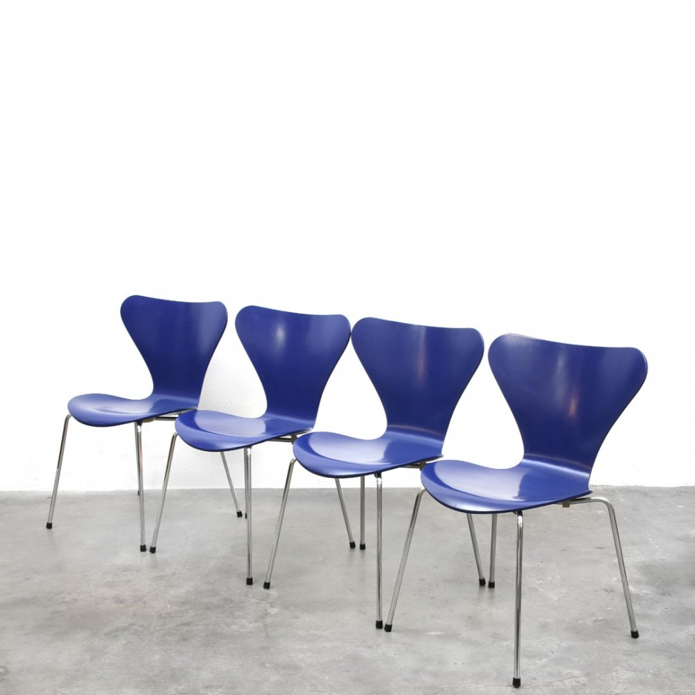 Set of 4 Butterfly Model 3107 dining chairs by Arne Jacobsen for Fritz Hansen, 1960s