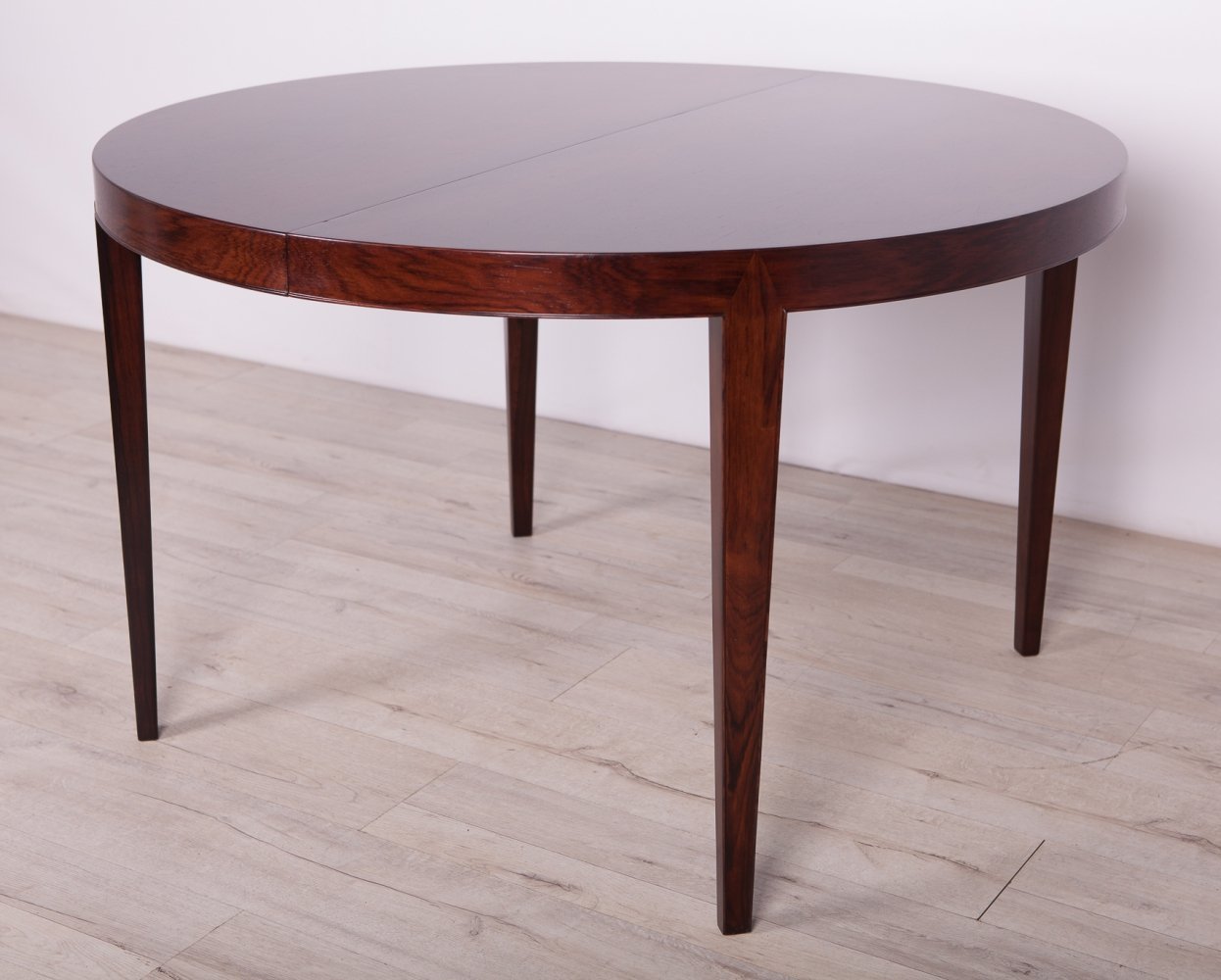 Mid-Century Round Rosewood Dining Table by S.Hansen for Haslev Møbelsnedkeri