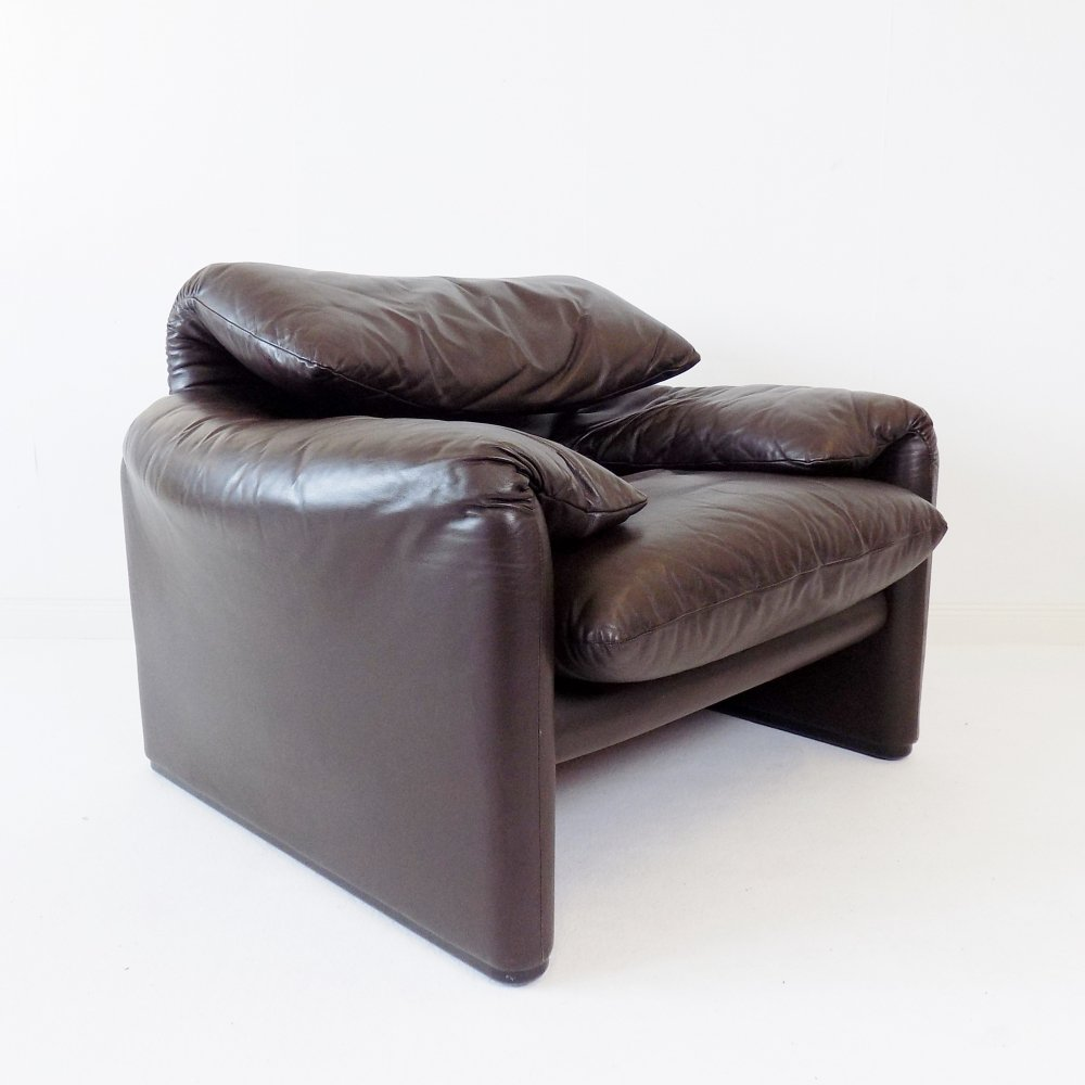Cassina Maralunga brown leather armchair by Vico Magistretti