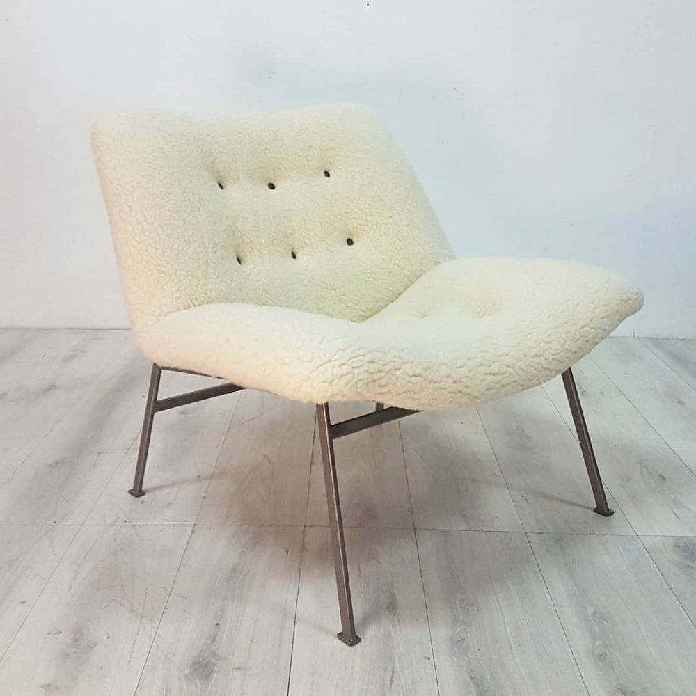 Mid century modern lounge chair with wool teddy fabric, Netherlands 1960s