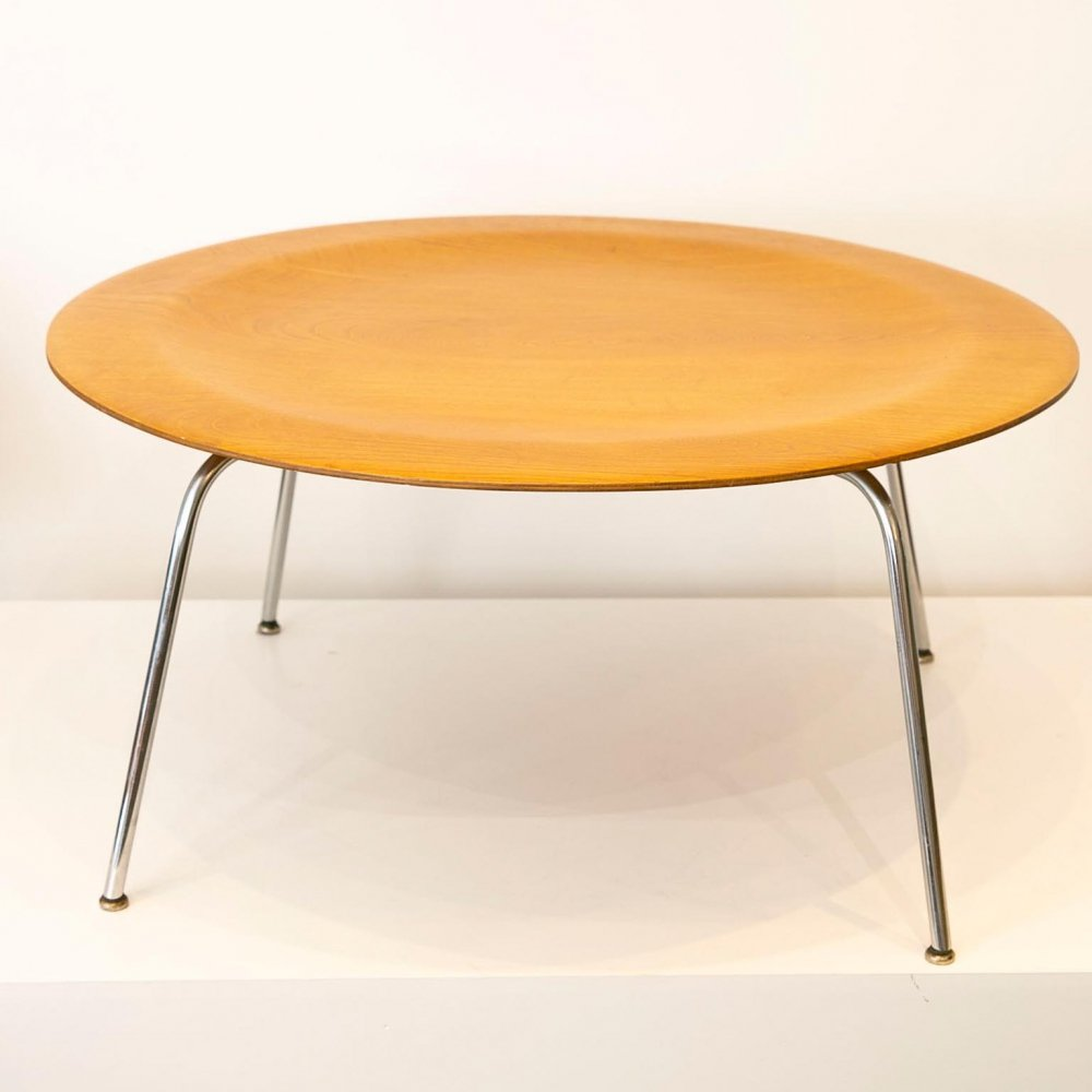 Third generation CTM coffee table by Charles & Ray Eames for Herman Miller, early 50