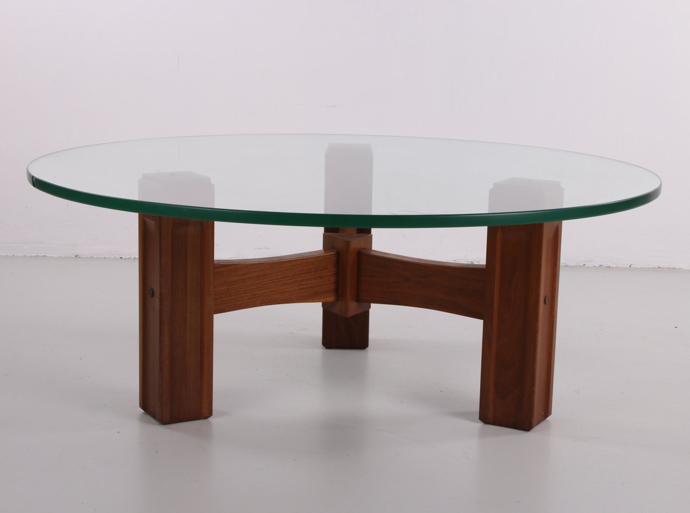 Brutalist round coffee table, 1970s