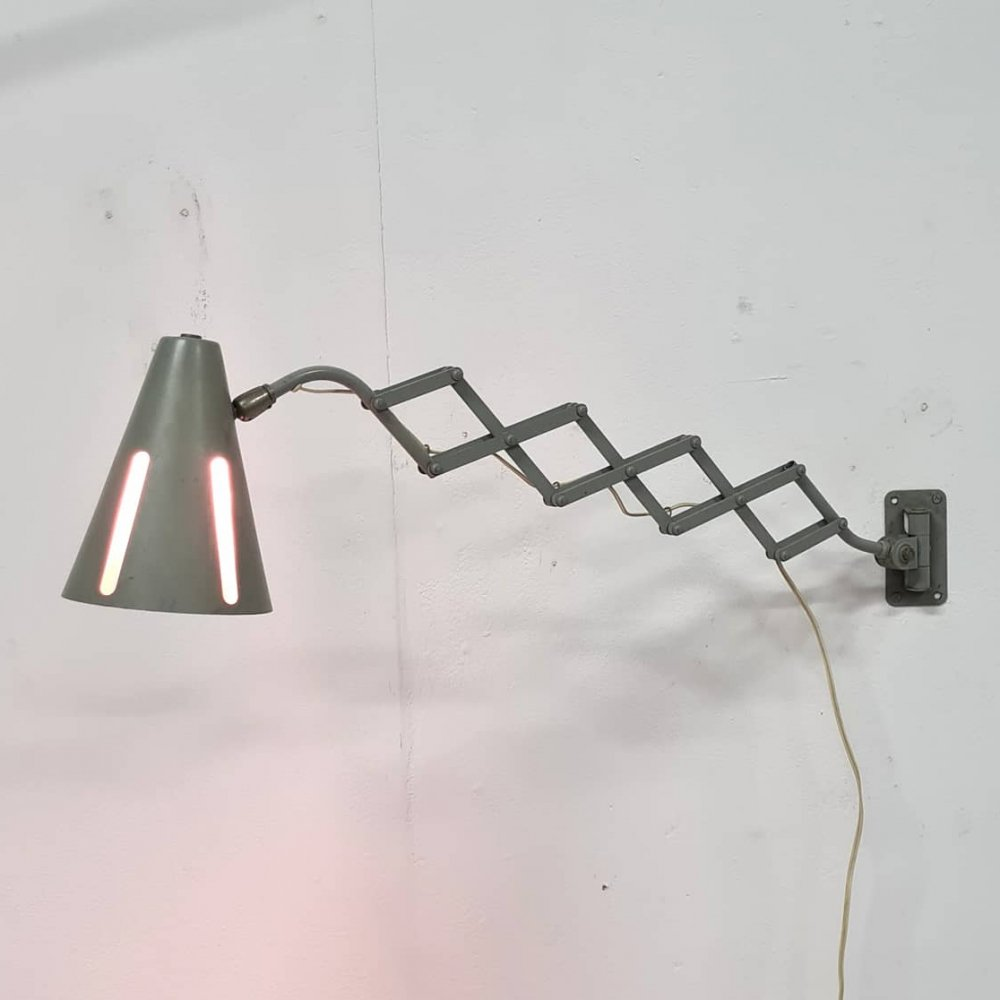 Zonneserie scissor wall lamp by H. Busquet for Hala, Netherlands 1950s