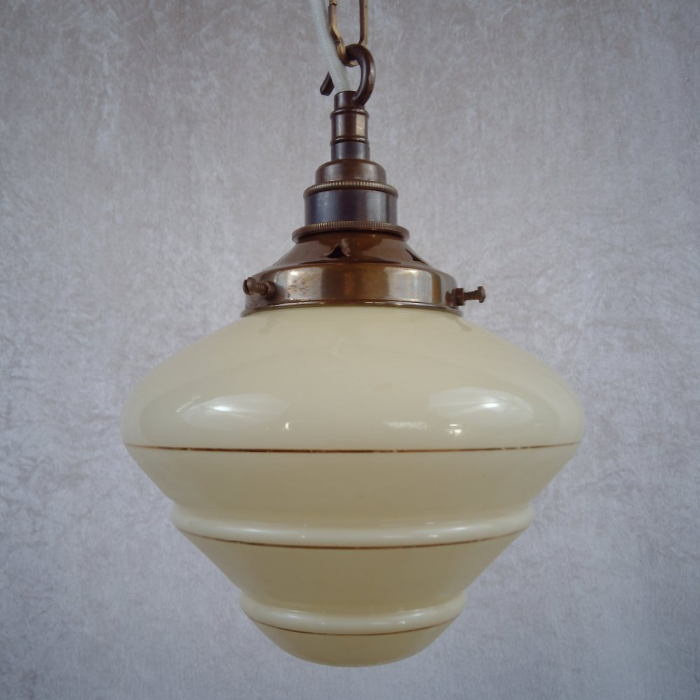 Beehive pendant with chain suspension, 1930/40