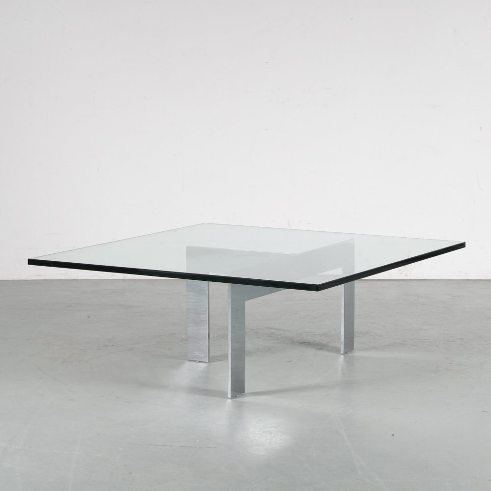 1960s Coffee table in glass & metal