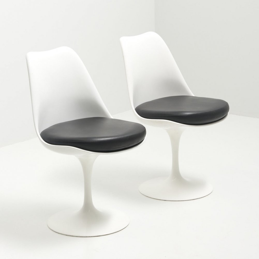 Pair of Tulip Chairs with Black Leather Cushion by Eero Saarinen for Knoll Int
