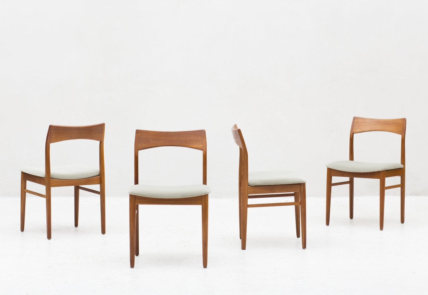 Set of 4 dining chairs by Henning Kjaernulf, Denmark 1960
