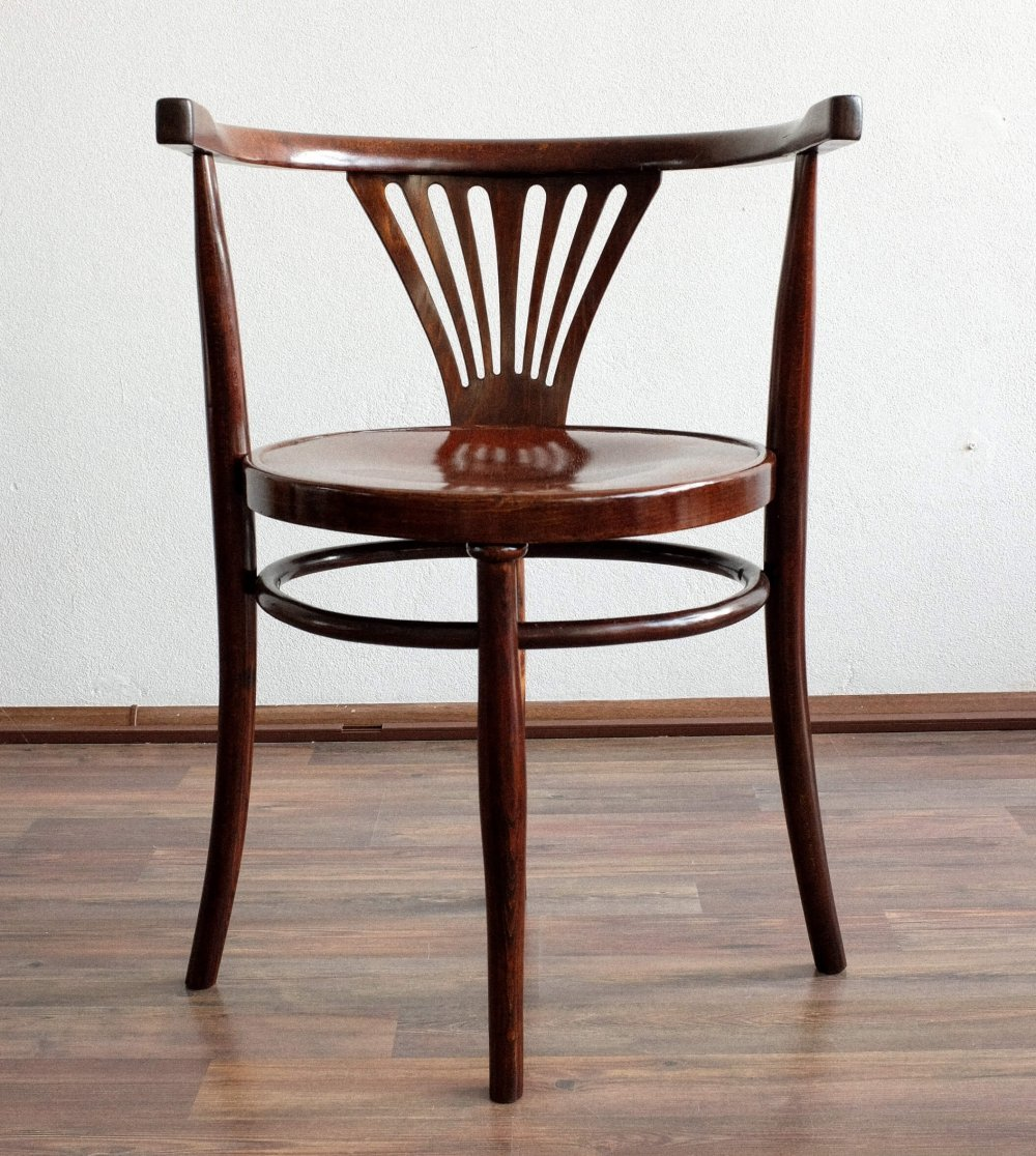 Wooden chair by Thonet, 1920s