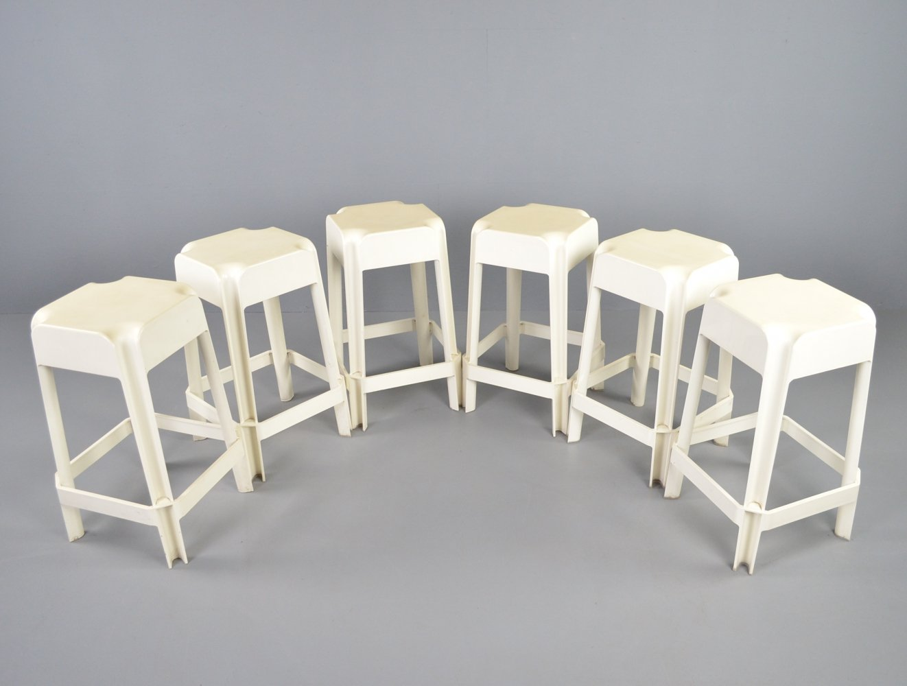 Set of 6 Space age plastic barstools, 1970s